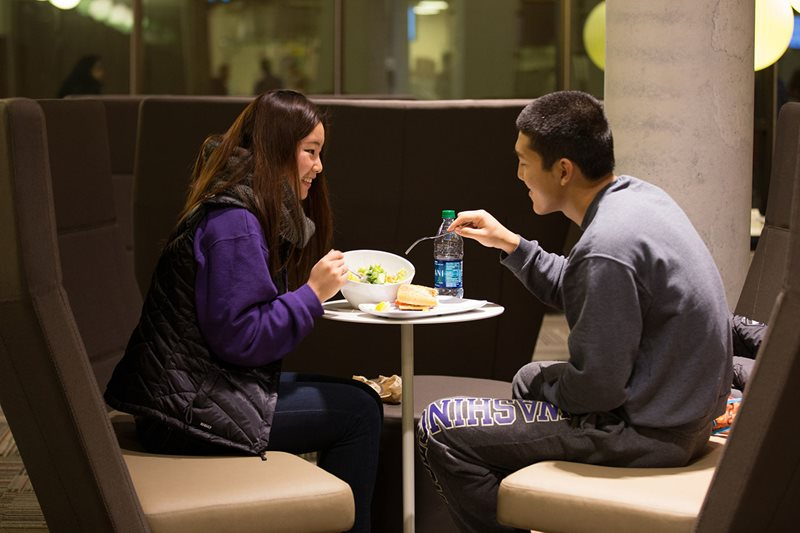 Undergraduate residents dining in Local Point